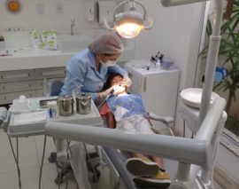 Protetyk Ursynów – implanty i korony porcelanowe